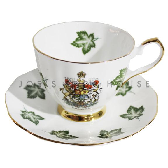 Tasse à thé et soucoupe Maple Leaf