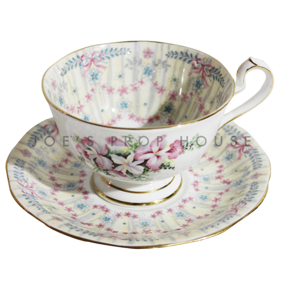Tasses et fleurs Tasse à thé et soucoupe