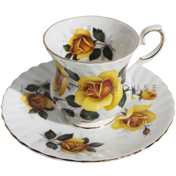 Tasse à thé et soucoupe à fleurs Reyna