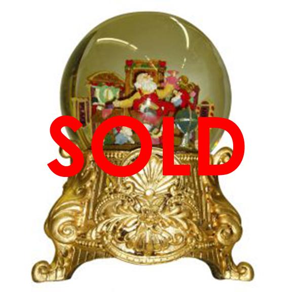 BUY ME / USED ITEM Gold Santa Snow Globe