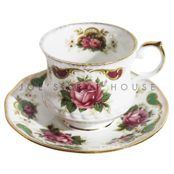 Tasse à thé et soucoupe à fleurs Glenda