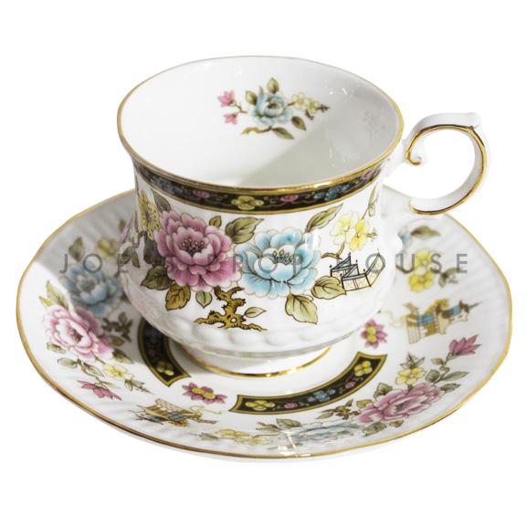 Tasse à thé et soucoupe à fleurs Liberty