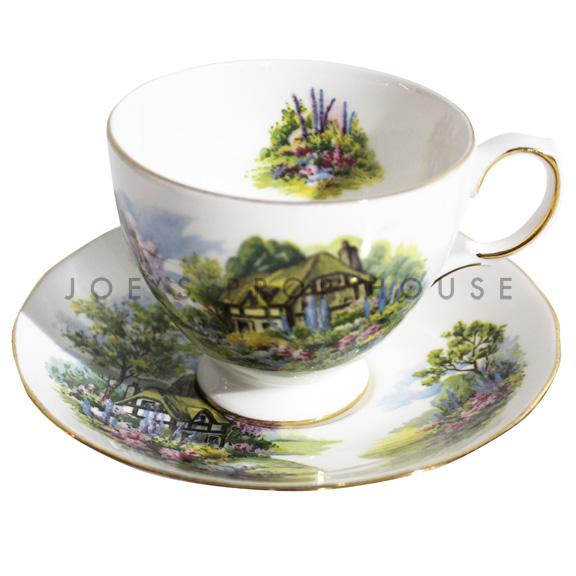 Tasse à thé et soucoupe de jardin
