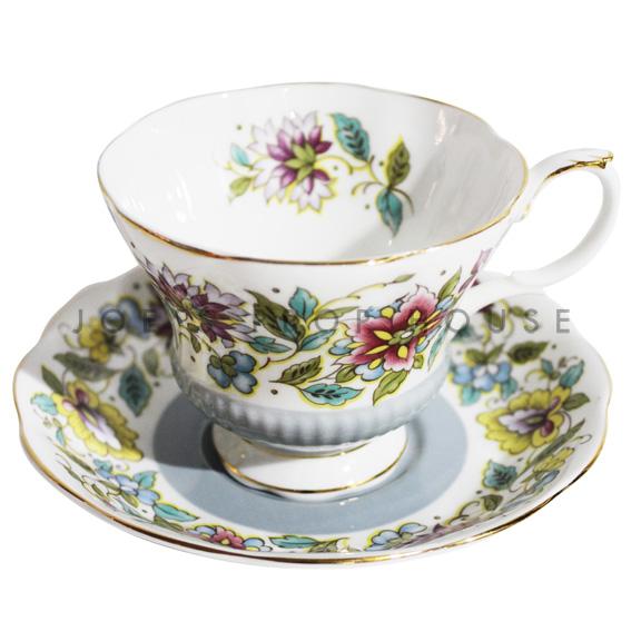 Tasse à thé et soucoupe florale Grace