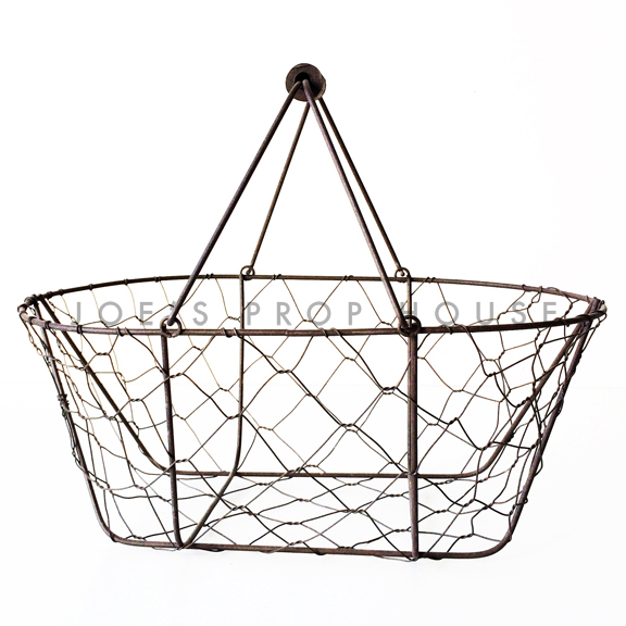 Cage de Poule Wire Basket w/Handle