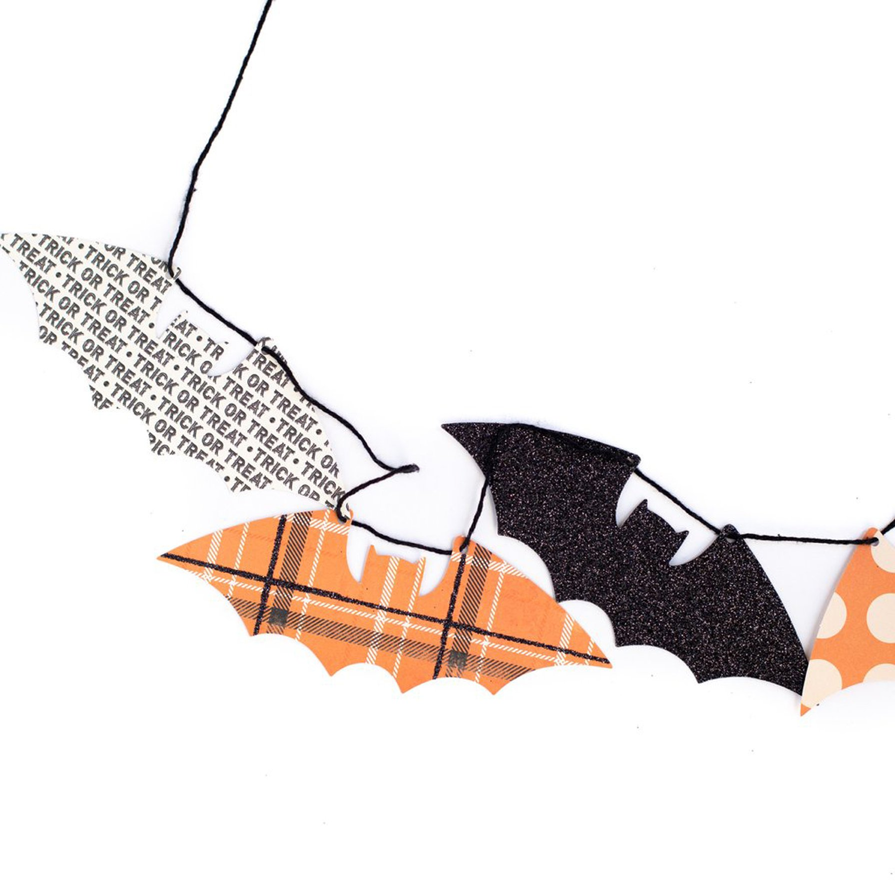 BUY ME / NEW ITEM $12.99 each Halloween Mini Bats 8ft Double-Sided Paper Garland