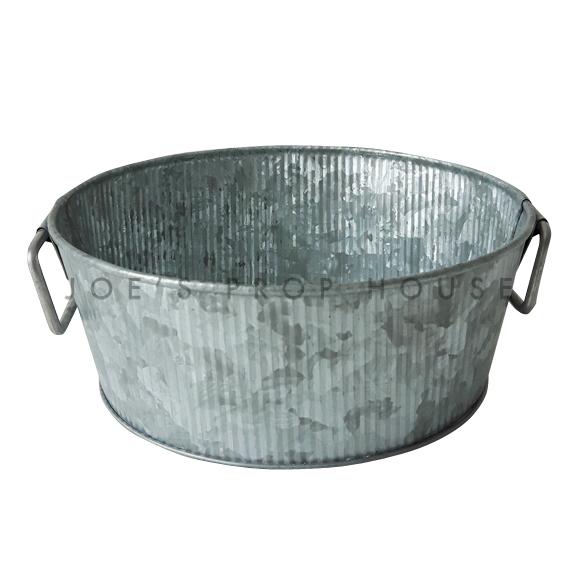 Galvanized Ribbed Metal Bowl w/Handles Medium