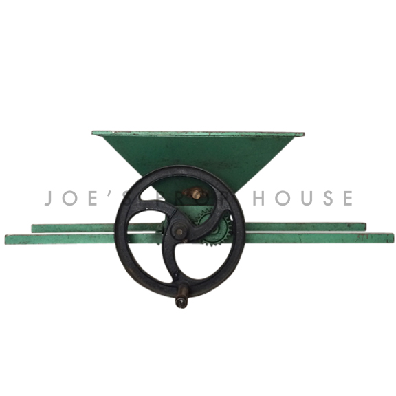 Manual Flywheel Metal Grape Crusher Green