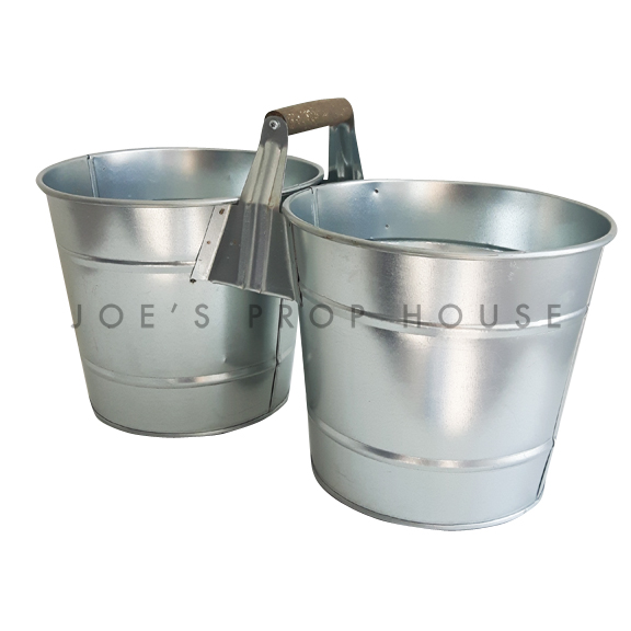 Duo Galvanized Buckets w/Wooden Handle Large