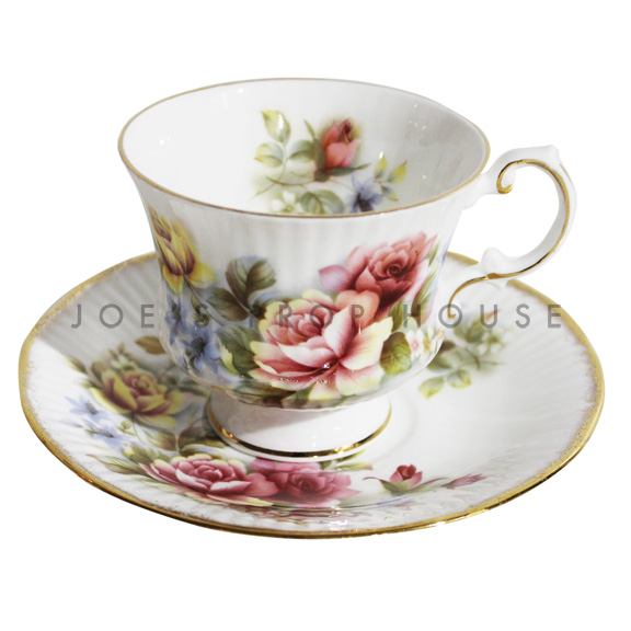 Phoebe Floral Teacup and Saucer